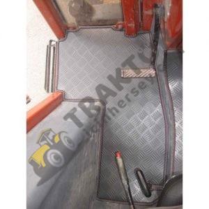 Tümosan 90-80 Ve 7065 PVC Traktör Paspası OC180420181356